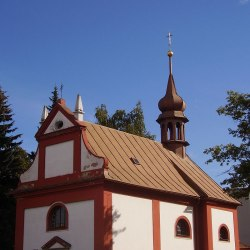 hrbitovni-kostel-zr 1
