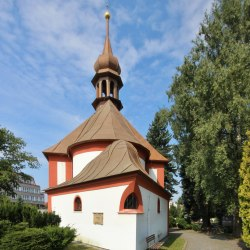 hrbitovni-kostel-zr 2